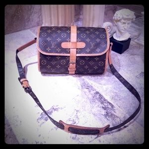 Part 1 Louis Vuitton Marne Shoulder/Crossbody Bag